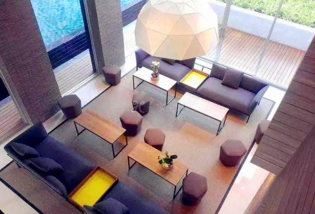 曼谷 带85米户外游泳池的文艺雅房