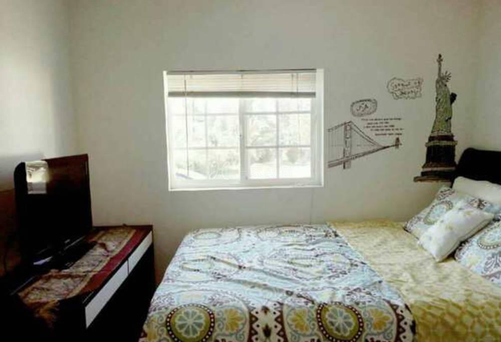 艾琳家罗兰岗繁华地段舒适房间