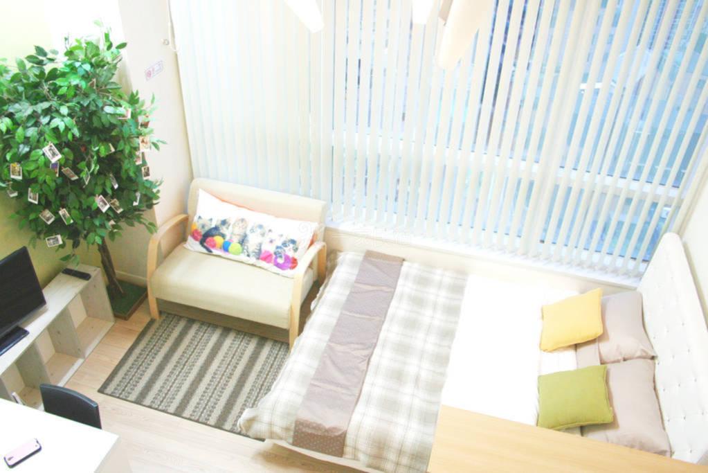 位于首尔热闹街区的温馨公寓