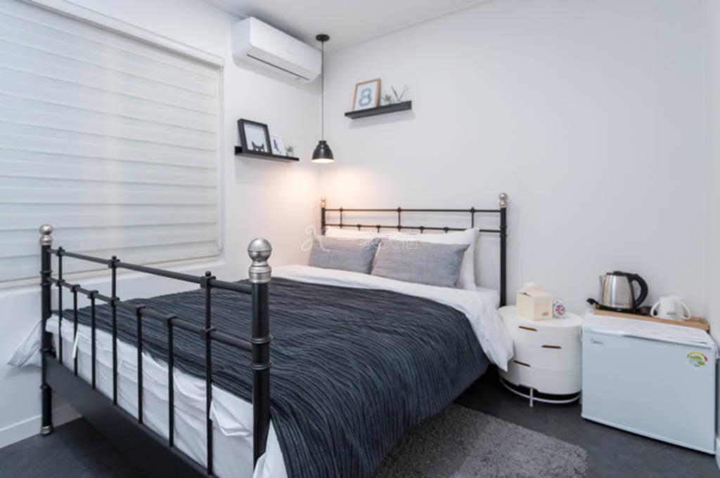 首尔单间出租 双人床房屋