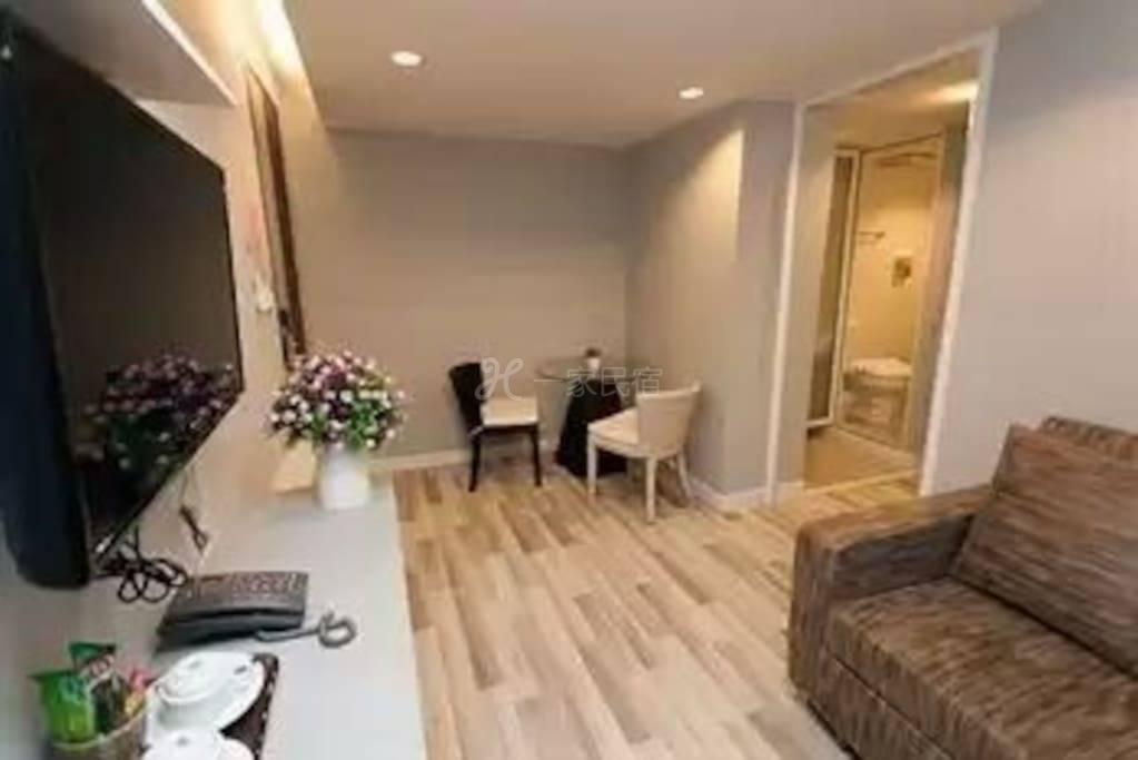 曼谷市中心HUAIKWANG区近地铁高级公寓短租