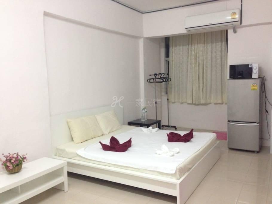 一室公寓,5分钟到BTS Udomsuk