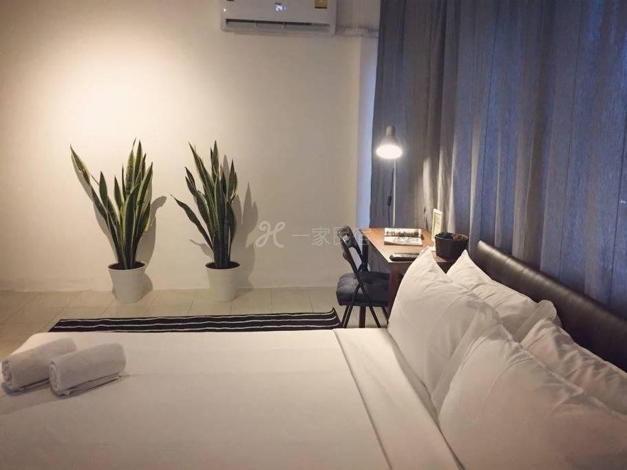 Gfeel超值大床房 靠近BTS Udomsuk 便利店大排档 高速网络空调房间 体验地道曼谷生活