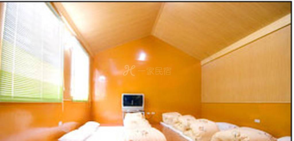 宜兰--眠脑教育民宿 八人和式套房