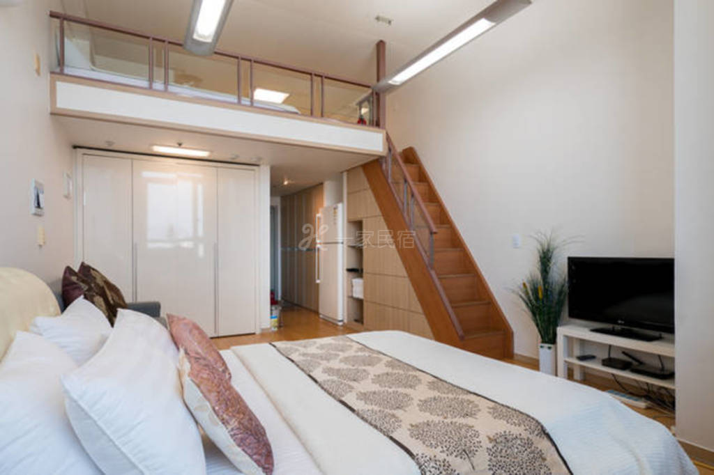 南山塔复式家庭公寓E- 六人间整套出租