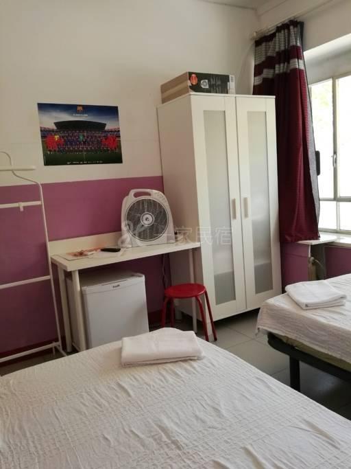 巴塞罗那黄金旅游区北京民宿 二个单人床 房间