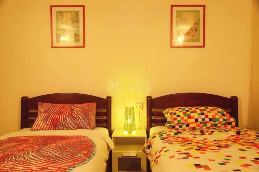 曼谷华人青年客栈 jaidee hostel 舒适宽敞双人间