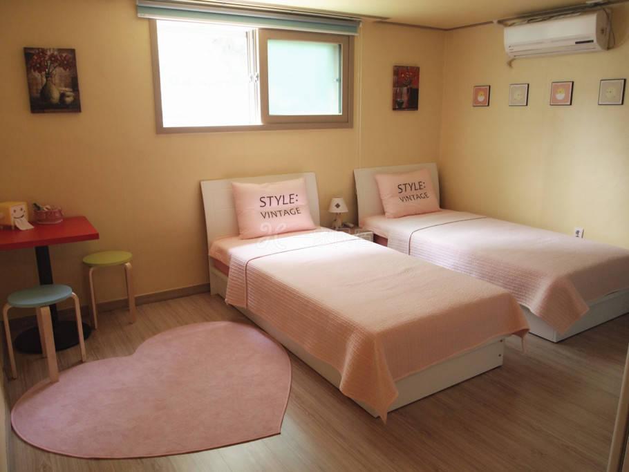 韩国首尔民宿  甜美温馨独立厨卫双床房