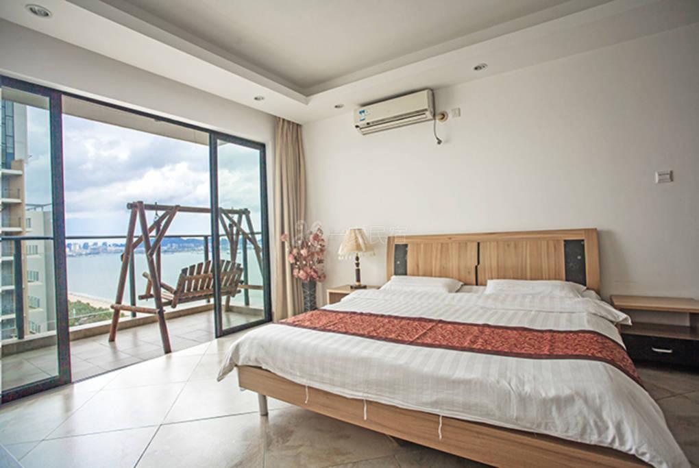 31楼床上看三亚地标凤凰岛听三亚湾海浪声音-兰海三期