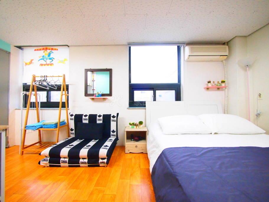 3人房#P(首尔站步行五分钟,小巧干净温馨舒适,房内采光良好!)