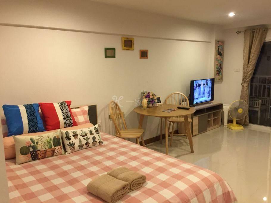 宁曼玛雅素贴山景公寓 1温馨舒适宜家用品