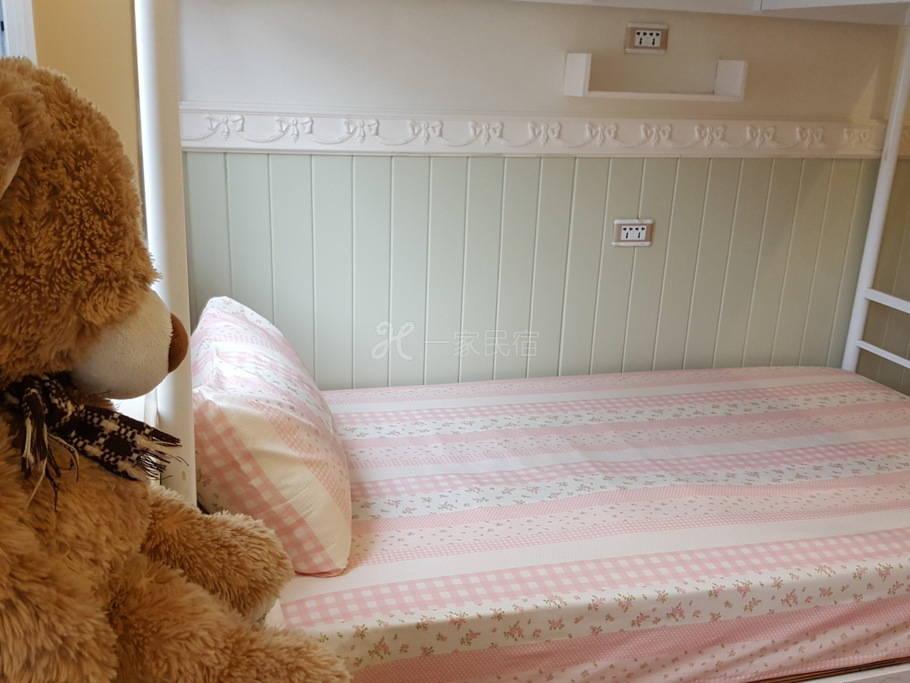 彼得兔的家-六人男女混合房(独立床位)(2人入住)A2*#