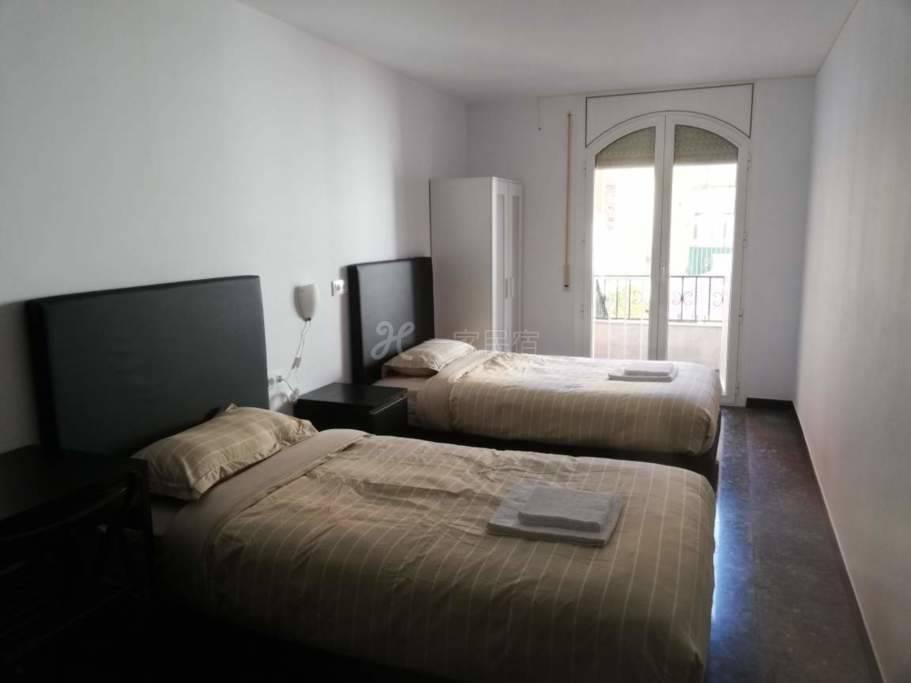 巴塞罗那会展中心附近别墅5号双床房