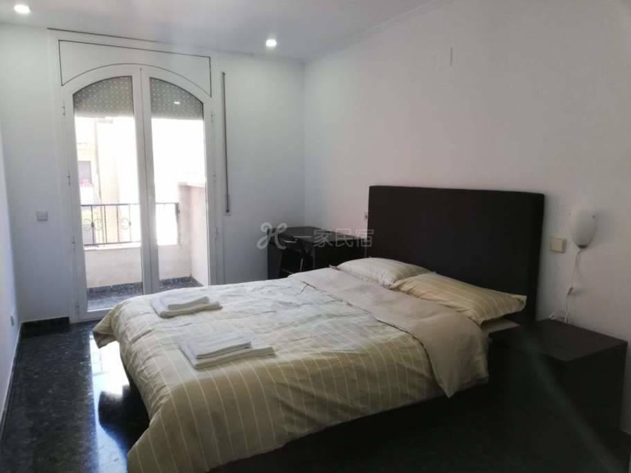 巴塞罗那会展中心附近别墅8号大床房