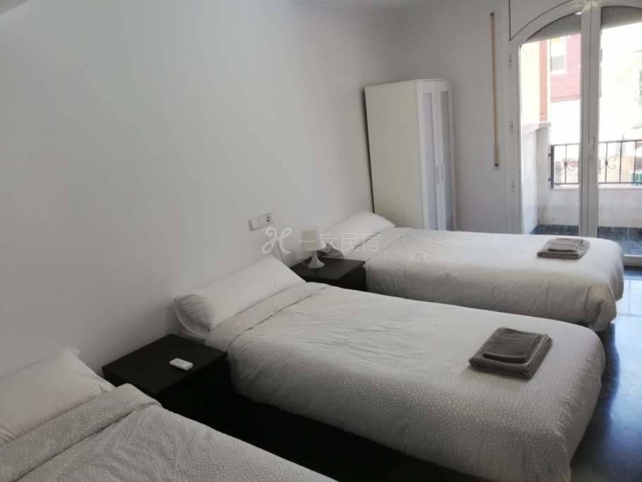 巴塞罗那会展中心附近别墅7号三床房