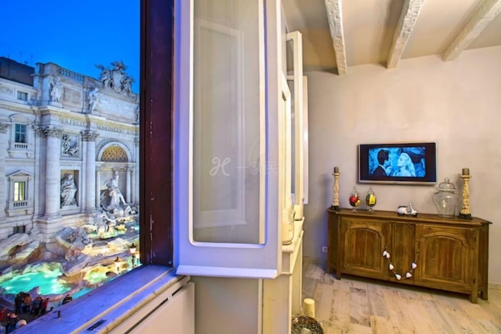 罗马中心隔窗零距离观赏许愿池的清新美宿