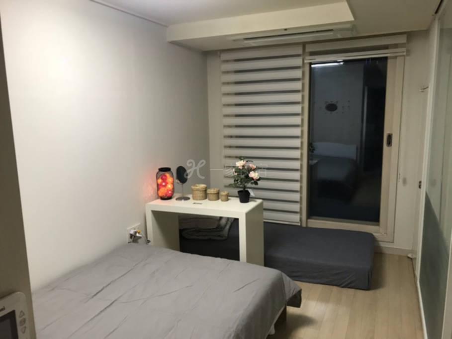 首尔东大门地区,带阳台高级公寓,距离东大门步行5分钟
