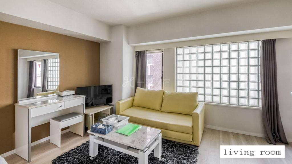 距薄野欢乐街、狸小路、大通公园步行8分钟的奢华公寓302房