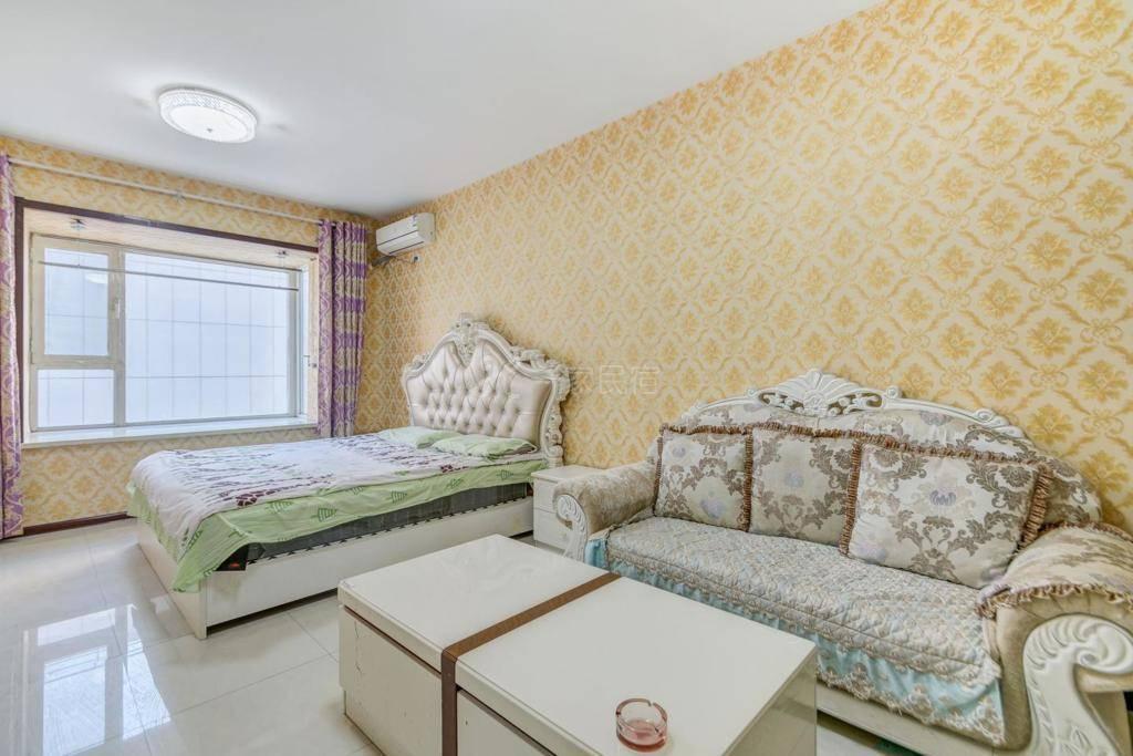 哈尔滨香坊万达公寓欧式大床房